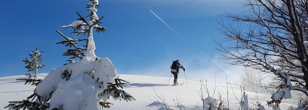 The Alpine Ski Club promotes ski mountaineering trips to remote regions, such as Montenegro