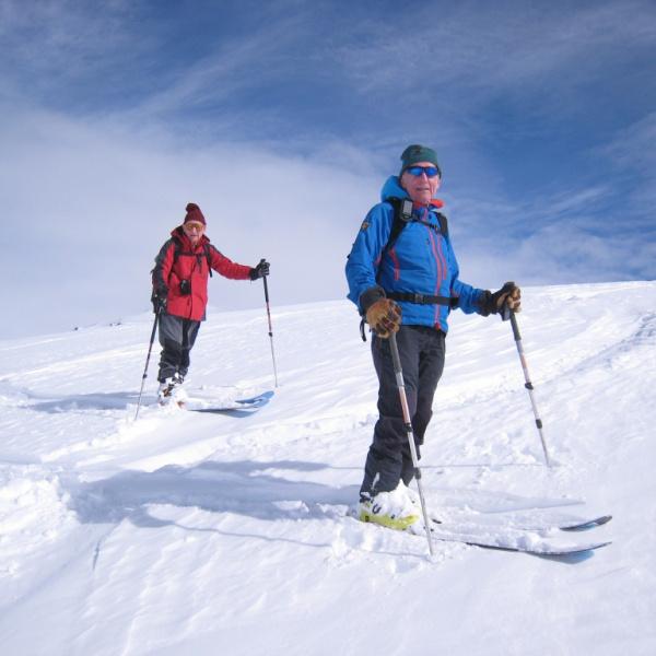 Simon and Jeremy savouring hte descent. Photo Nick Putnam.JPG
