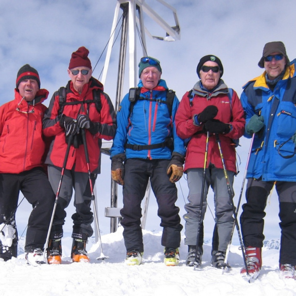 The summit team. Photo Nick Putnam.jpg