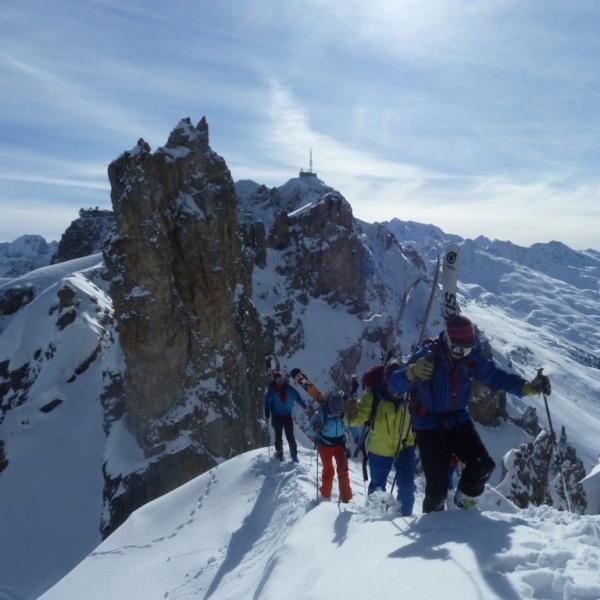 Ridge trek. Photo Simon Christy.jpg
